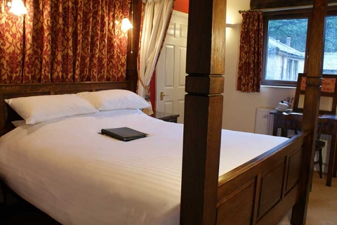 Wharfe - Four Poster Room